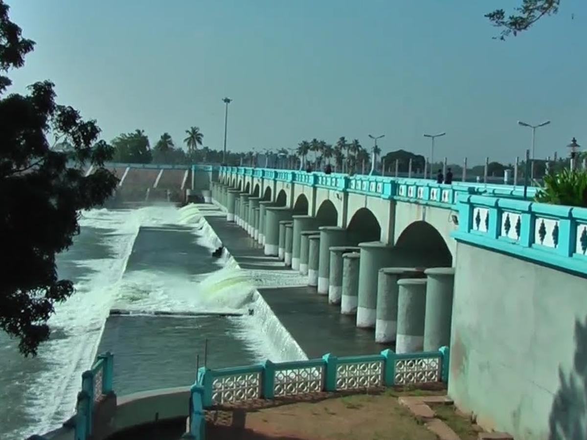 Kallanai Dam - 16kms